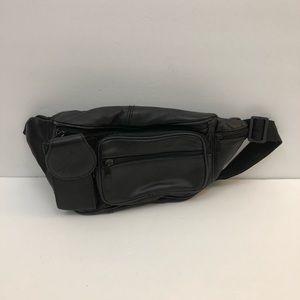 Handbags - 🔵 VTG Leather Fanny Pack 🌺